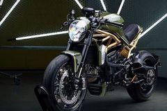 Mẫu xe độ Ducati Monster 1200R với khung dát vàng