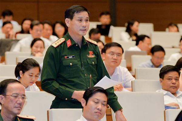 Bất cập: Quản 6.000 quân chỉ cấp tá, có 80-200 quân lại cấp tướng