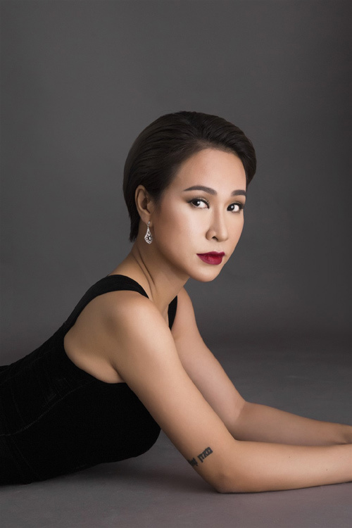 Uyên Linh, Văn Mai Hương- làn gió mới đêm pháo hoa Đà Nẵng