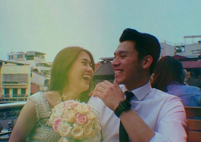 Ngọc Thảo và bạn trai Việt kiều tình tứ sau khi công khai hẹn hò
