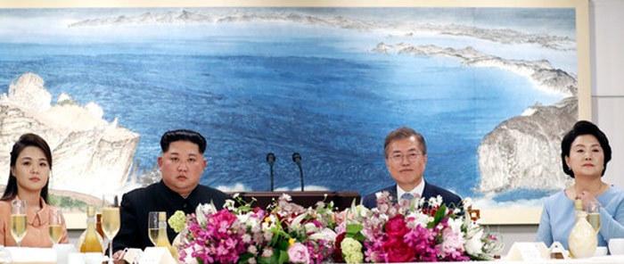 Triều Tiên,Kim Jong Un,Ri Sol Ju,vợ chồng Kim Jong Un