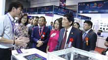 Khai mạc triển lãm giải pháp công nghệ số Vietnam ICT Comm 2018