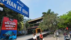Hà Nội ra 'tối hậu thư' di dời nhà hàng, bãi xe lấn mương Phan Kế Bính