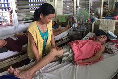 Người vợ nghèo không kiếm nổi 30 triệu đồng cứu chồng khỏi liệt