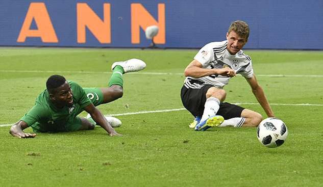 Dứt điểm kém cỏi, Đức chỉ thắng sát nút Saudi Arabia