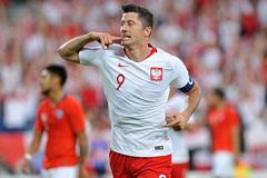 Lewandowski ghi bàn, Ba Lan vẫn không thể thắng Chile