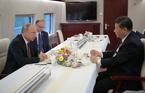 Ông Putin cùng ông Tập Cận Bình ngồi tàu cao tốc thưởng trà
