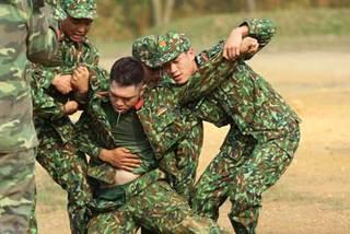 Chết cười với Bảo Kun trong 'Sao nhập ngũ'
