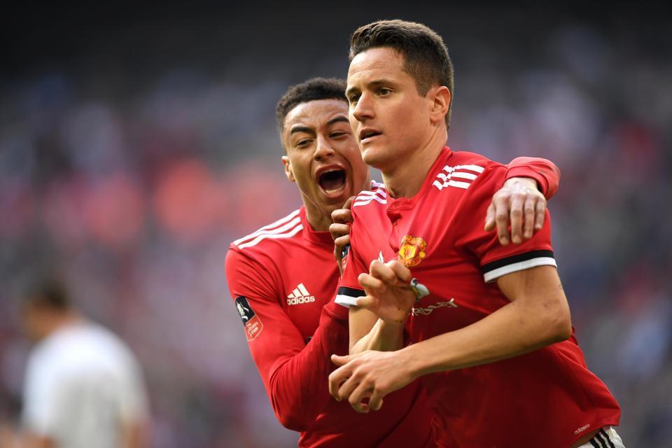 Herrera tháo chạy khỏi MU, lộ đội hình tuyển Anh đá World Cup