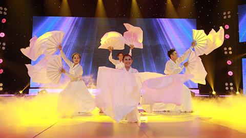 Nhóm võ gây sốt khi 'bung lụa' trên nền nhạc của Sơn Tùng M-TP