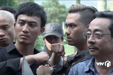 'Người phán xử tiền truyện' tập cuối: Cha con ông trùm bị vây đánh
