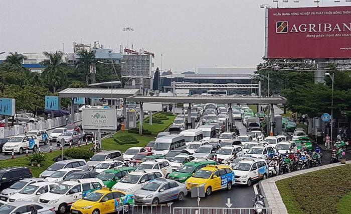 Tân Sơn Nhất,ùn tắc giao thông,tắc đường,kẹt xe