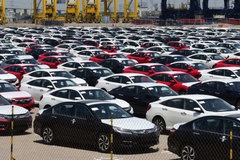 Tuần qua, ô tô nhập tăng gấp 3 lần