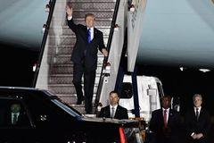 Hình ảnh ông Trump ở Singapore, chuẩn bị gặp Kim Jong Un