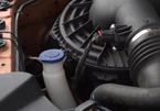 Cách thay nước rửa kính ô tô tại nhà