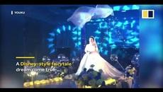 Cô dâu chơi trội khi đội khăn voan biết bay trong lễ cưới