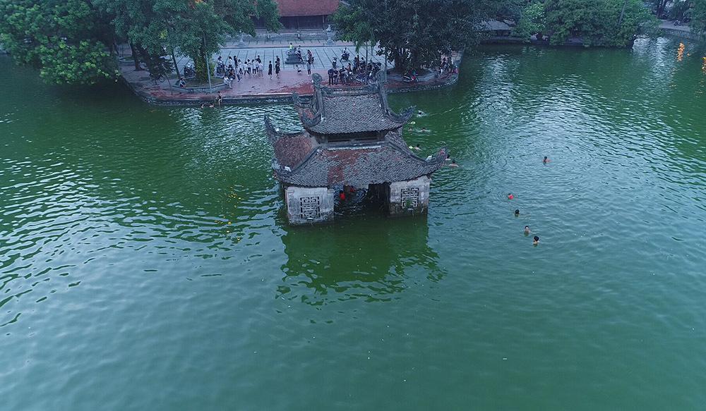 chùa Thầy,Hà Nội,bể bơi