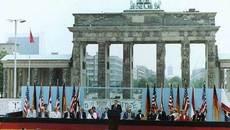Ngày này năm xưa: Tổng thống Mỹ thách thức lãnh đạo Liên Xô