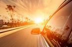 Bí quyết hạ nhiệt nhanh cho ô tô khi đỗ dưới trời nắng nóng