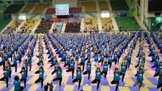 Hơn 1.000 người đồng diễn Yoga tại Hà Nội