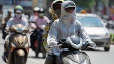 Dự báo thời tiết 12/6: Miền Bắc nắng rát, Nam Bộ mưa rào