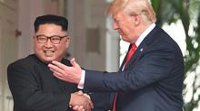 Lí do Kim Jong Un cao 'khác thường' khi gặp ông Trump