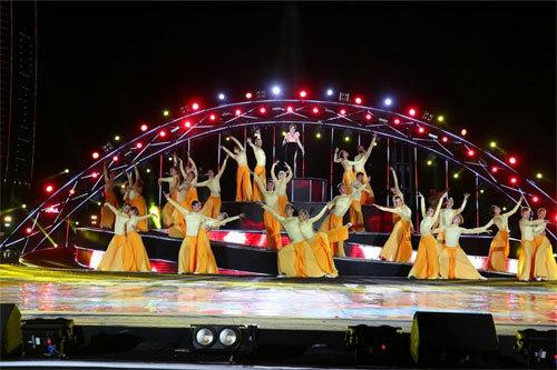 'Nhịp cầu Khát vọng'- lộng lẫy đêm hội pháo hoa Đà Nẵng
