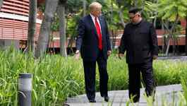 Lãnh đạo Mỹ - Triều đi dạo không cần vệ sĩ, nói chuyện không cần phiên dịch