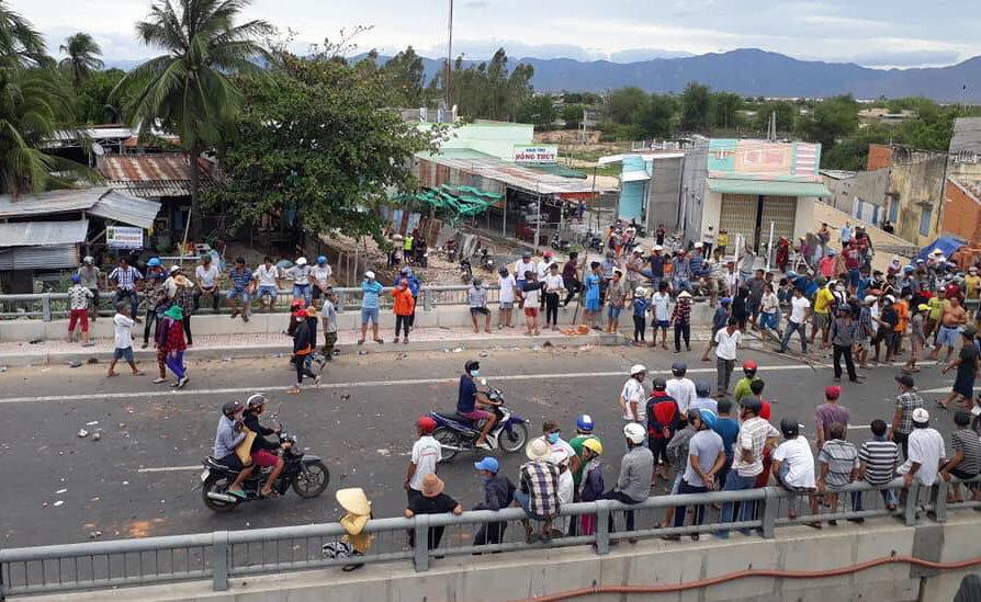 bạo loạn,đặc khu,luật đặc khu,Bình Thuận,tụ tập đông người,biểu tình