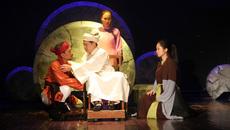 NSND Anh Tú đưa nhân vật lịch sử nhiều tranh cãi lên sân khấu kịch