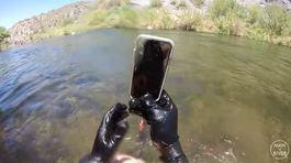 iPhone X sống sót kỳ diệu sau 2 tuần rơi xuống đáy sông