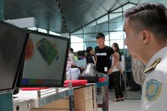 Khách TQ thất lạc túi đồ có 10.000 USD ở sân bay Vinh