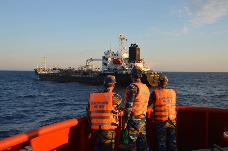 Cảnh sát biển,tàu lạ,buôn lậu