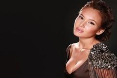Nữ ca sĩ hát khai mạc World Cup 2018 đẹp như thiên thần