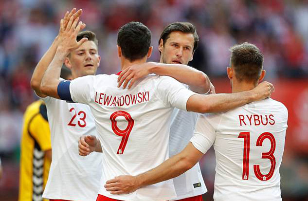 Lewandowski 'nổ' cú đúp, Ba Lan đại thắng trước ngày sang Nga