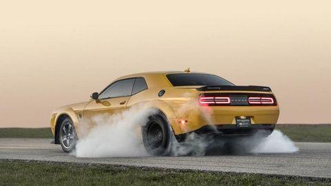 """Xe độ """"cơ bắp"""" Dodge Challenger SRT Demon mạnh nhất thế giới"""