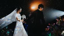 Chú rể, cô dâu mang cả dải ngân hà vào tiệc cưới ở Sài Gòn