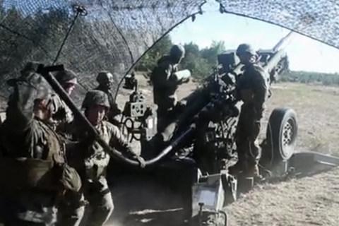 lính Mỹ bắn lựu pháo trong cuộc tập trận khủng ở châu Âu