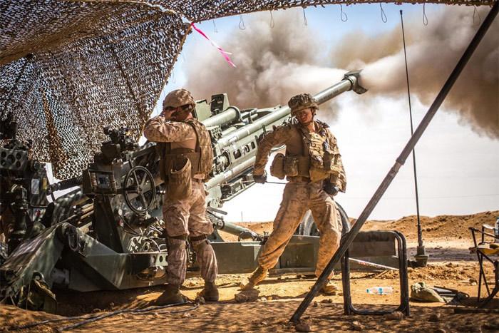 Lính Mỹ,thủy quân lục chiến Mỹ,lựu pháo,súng trường,tập trận