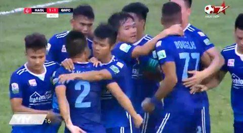 Douglas gỡ hòa 1-1 cho Quảng Nam