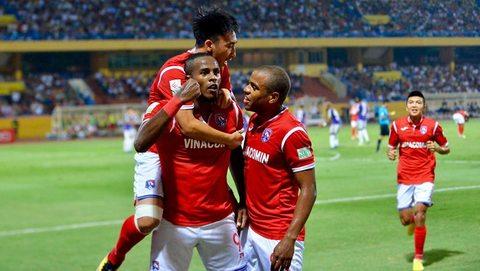 Hà Nội 0-1 Than Quảng Ninh: Đội khách mở tỷ số trên chấm 11m