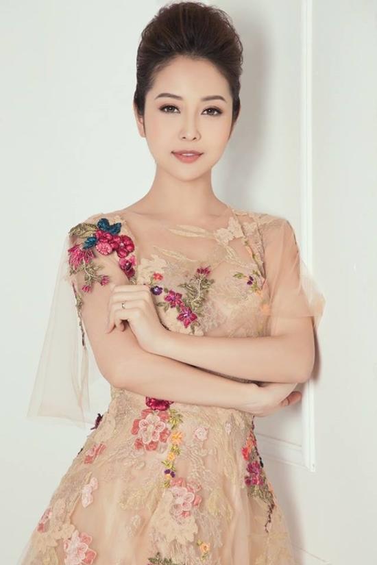 Thảo Vân,Thủy Tiên,Phạm Hương,Thanh Hằng,Quyền Linh