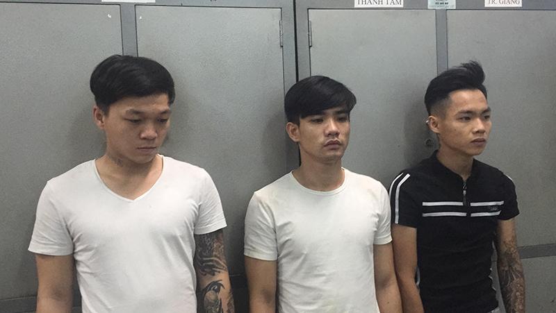 Bắt nóng nhóm thanh niên côn đồ chuyên đánh đập du khách nước ngoài cướp tài sản