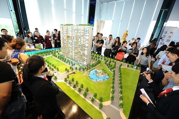 thị trường bất động sản TP.HCM,mua bán căn hộ,nguồn cung căn hộ tại TP.HCM,cháy chung cư Carina Plaza