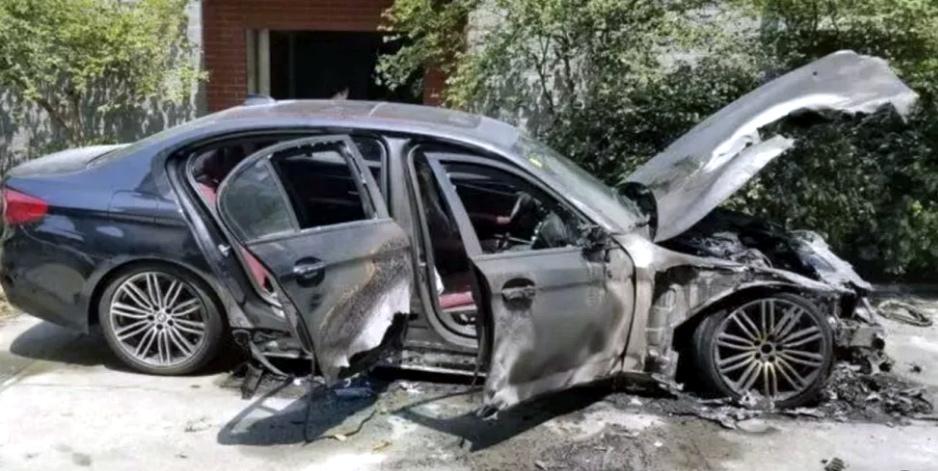 Xe BMW mới mua gần 2 tỷ bốc cháy vì lý do không ngờ