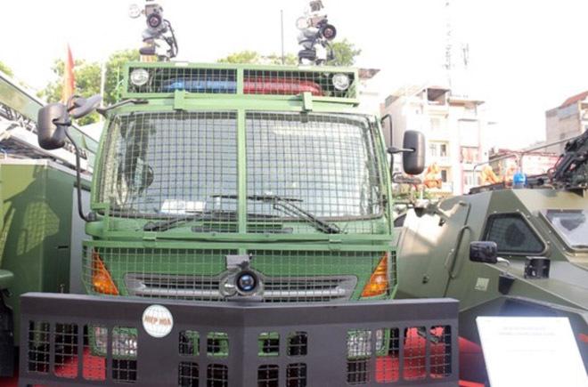 Tìm hiểu xe chống bạo động 'hạng nặng' của Cảnh sát Việt Nam