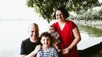 Anh chồng sung sướng vì được nghỉ 16 tuần khi vợ sinh con