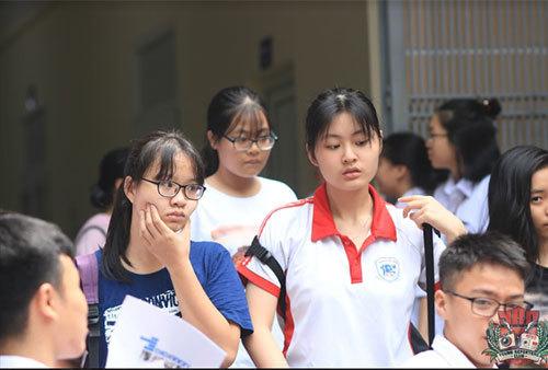 Thi vào lớp 10: Trường Nguyễn Tất Thành đông chưa từng có