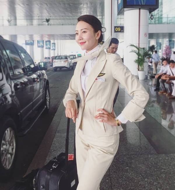Nhan sắc hot girl hàng không cổ vũ World Cup 4 năm trước giờ ra sao?