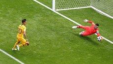 Pháp 0-0 Úc: Lloris cứu thua ngoạn mục (H1)